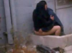 حصرى زانق محجبة على المصطبة فى الشارع ومخلعها اللابس ومفجرها نياكة