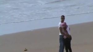 جزء جديد وحصرى من فضيحة محجبة شرموطة مع عشيقها  على شاطى البحر