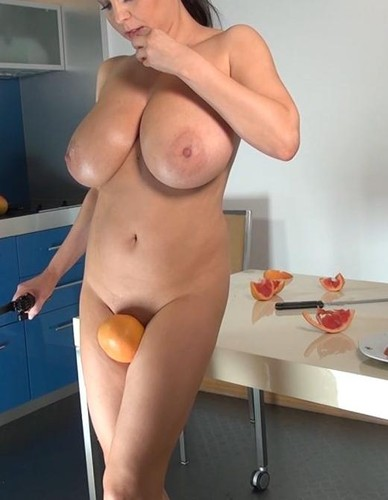 Ewa Sonnet – Big Juicy Melons All Natural Breast (Ultimate) 1080p