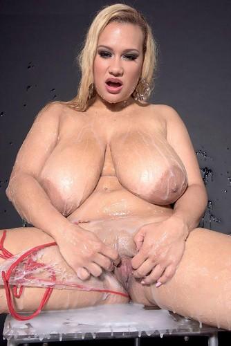 Liza Biggs – Giant Titties Wet And Messy Sploshing 1080p