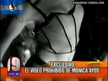 Monica Ayos striptease