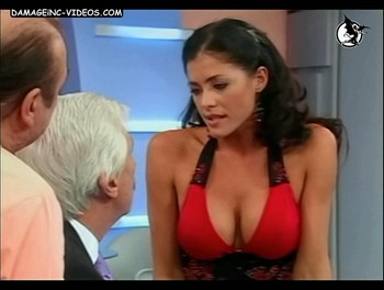 Pamela David big breasts show off