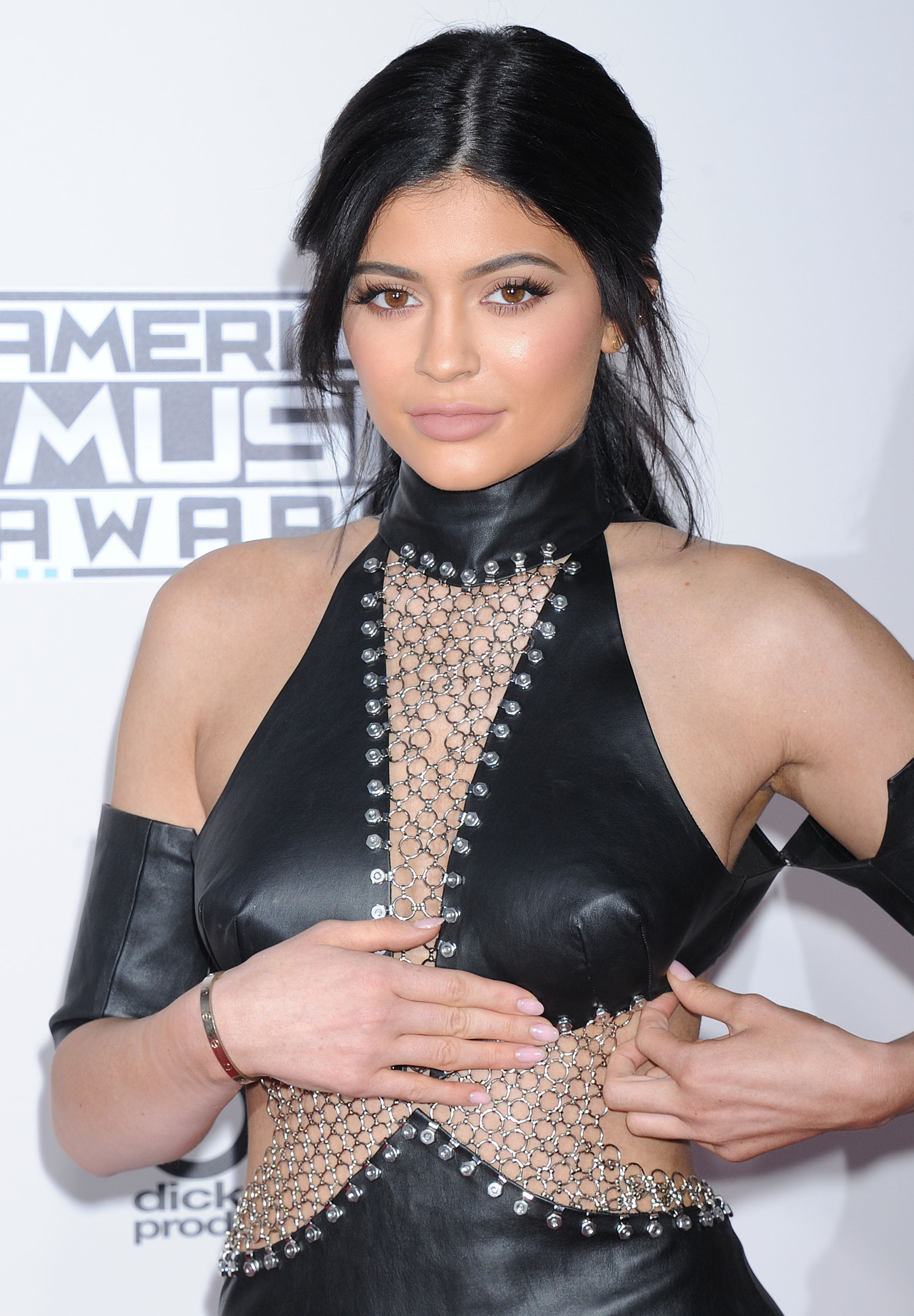 Kylie_Jenner_American_Music_Awards_2015_03.JPG