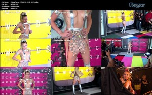 Miley Cyrus Video MicroVestido Medio Desnuda Con Botas Altas & Descuido Teta En Los MTV Awards 2015